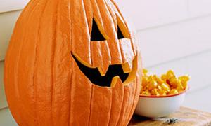Làm đèn bí ngô chơi Halloween nào!