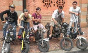 Nhóm teen độ xe Chaly cực quái của Sài Thành
