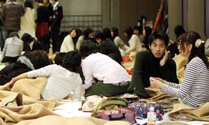 Lập danh sách 'nóng' sinh viên Việt tại vùng động đất