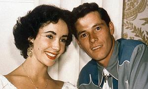 Elizabeth Taylor: 8 lần cưới 7 người chồng