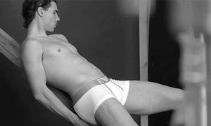 Rafael Nadal 'lộ hàng' vẫn mặc nhiên suy tư