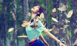 Huyền Trang dễ thương cùng tóc bím