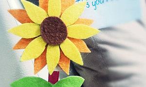 Sáng tạo với chậu hoa hướng dương nhắc việc
