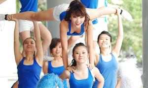 Các cheerleader xinh đẹp tại giải bóng rổ U17 quốc gia