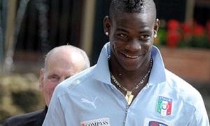 Balotelli có quan hệ mờ ám với mafia Italia