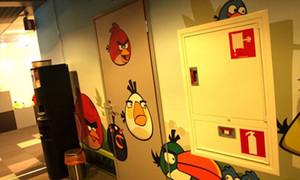 Đột nhập trụ sở Nokia và 'tổ chim' Angry Birds