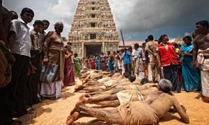 Lễ hội hành xác Thaipusam rợn người