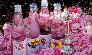 Cách làm nước hoa hồng handmade đây!