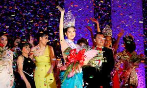 Ngọc Trinh đăng quang hoa hậu Quốc tế Việt Nam