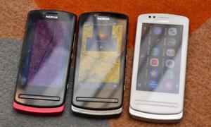 Cận cảnh điện thoại thông minh nhỏ nhất của Nokia
