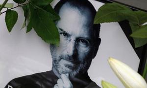 Người hâm mộ tiếc thương Steve Jobs trong lễ tưởng niệm