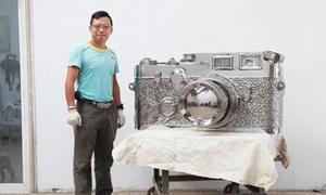 Máy ảnh Leica 'fake' nặng... 350kg