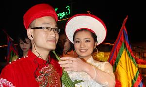 Cô dâu Diệu Hương lội nước vào làm lễ cưới
