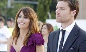 Vợ chồng Xabi Alonso đẹp đôi nhất làng túc cầu