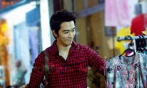 Song Seung Hun làm 'náo loạn' chợ Bến Thành