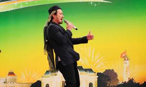 Chi Bảo trổ tài đọc rap trên sân khấu VN's Got Talent