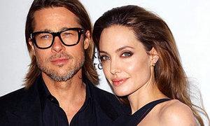 Anglina Jolie bị khủng hoảng khi làm đạo diễn