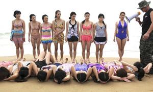 'Nữ vệ sỹ' mặc bikini khổ luyện giữa trời đông giá rét