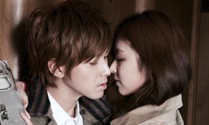 Yun Ho (DBSK) tình tứ bên Lee Yeon Hee