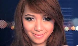 Michelle Phan dạy makeup long lanh cho ngày lễ