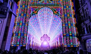Nhà thờ sáng rực nhờ 55000 bóng đèn LED