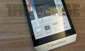 Hình ảnh mới nhất về 'Superphone' BlackBerry 10