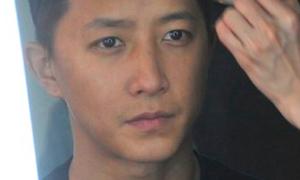 Han Kyung đầu cua 'ngố Tàu' trong phim mới của Triệu Vy