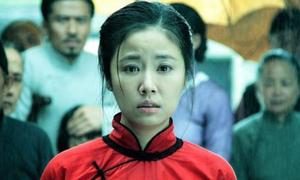 Lâm Tâm Như kể tội đạo diễn 'không cho mặc nội y'
