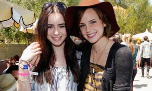 Katy Perry đổi tóc tím, Emma Watson rủ 'bạch tuyết' xả stress