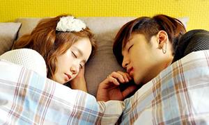 Jang Geun Suk và Yoon Ah tay trong tay hẹn hò
