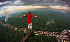 Nín thở với mốt chụp ảnh 'đi trên mây'