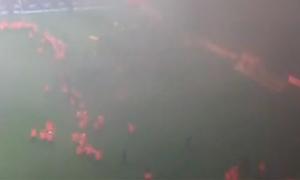 CĐV đốt sân vận động vì đội nhà xuống hạng