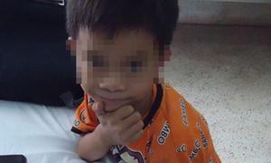 Bé trai 6 tuổi được giải thoát khỏi phận nữ nhi