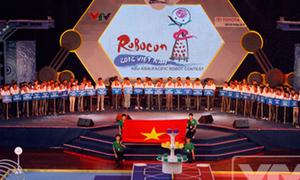 Sinh viên hào hứng 'nhào nặn bánh bao' tại Chung kết Robocon 2012