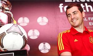 Iker Casillas nhận 'đặc ân' từ hãng Adidas