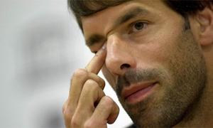 Ruud Van Nistelrooy rơi nước mắt ngày giải nghệ