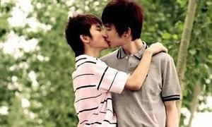 Sốc vì rung động đầu đời dành cho người bạn gay