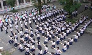 200 teen Lê Hồng Phong 'náo động' sân trường bằng flashmob