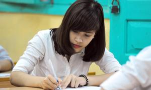 Teen cả nước bước vào môn thi tốt nghiệp đầu tiên