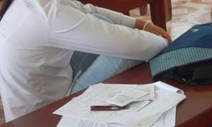 2 thí sinh bị đình chỉ vì mang 'phao' vào phòng thi