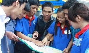 Sinh viên ĐH Kinh tế ra quân Tiếp sức mùa thi