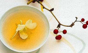 Uống trà nhiều tăng nguy cơ ung thư tuyến tiền liệt
