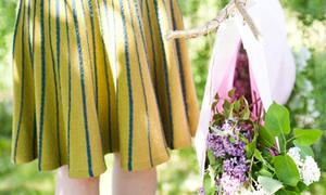 F5 phòng yêu với giỏ hoa xì-tai hoang dại
