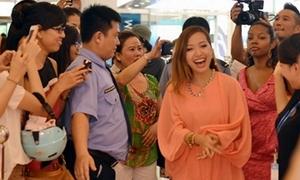 Michelle Phan đích thân makeup cho hot girl Kelly