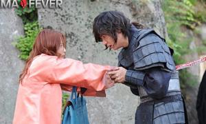 Lee Min Ho bị đâm xuyên ngực trong Faith