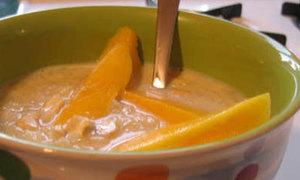 Hoa quả cũng làm được súp thơm ngon đấy