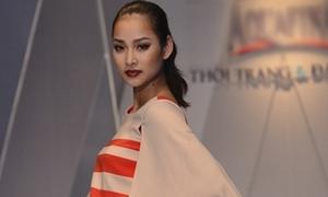Vương Thu Phương u buồn catwalk sau scandal