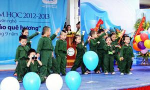 Áo bộ đội, màu xanh hải quân tung tăng khai trường