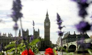 Tháp đồng hồ Big Ben chính thức mang tên Elizabeth