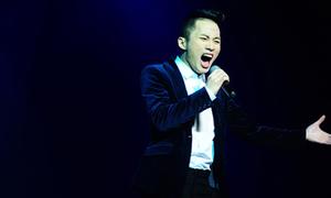 Tùng Dương hát tình ca 'ma mị'